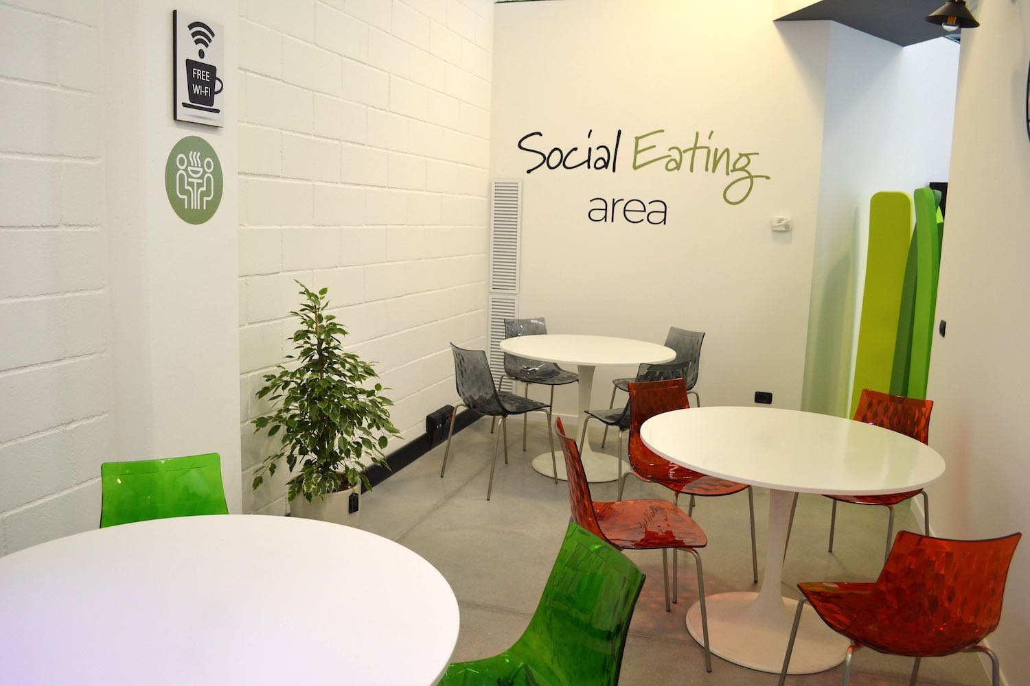 Social eating area